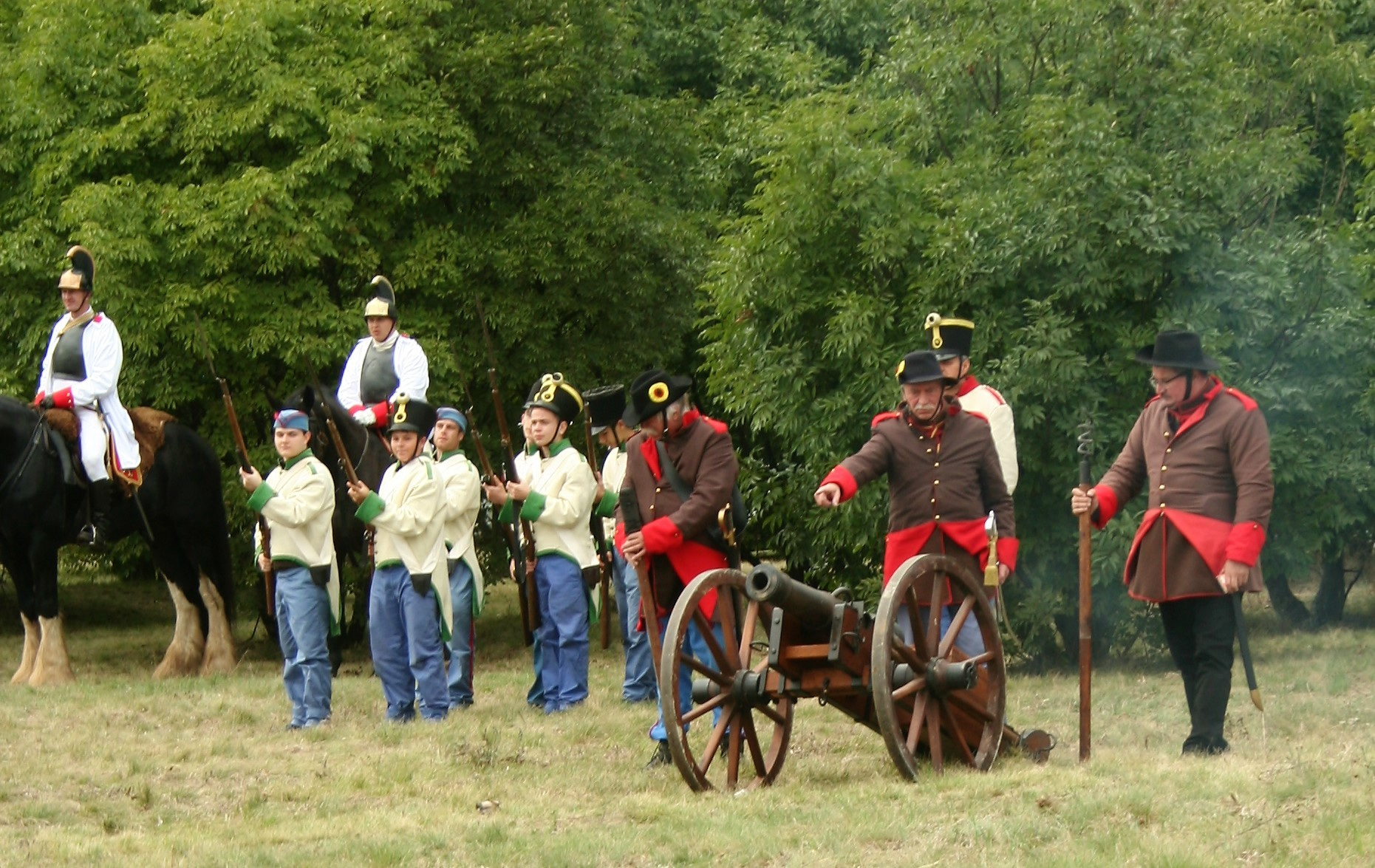 Pákozdi csatabemutató - tüzérségünk osztrák oldalon