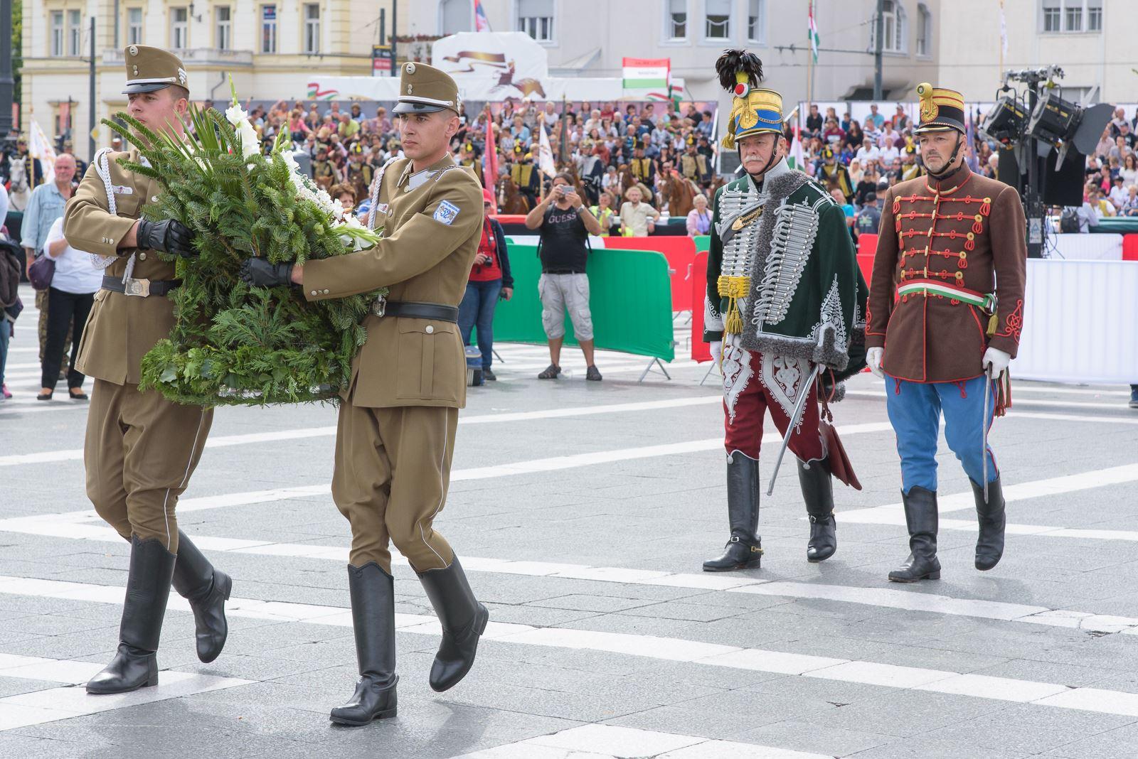 Magyar Vágta - koszorúzás
